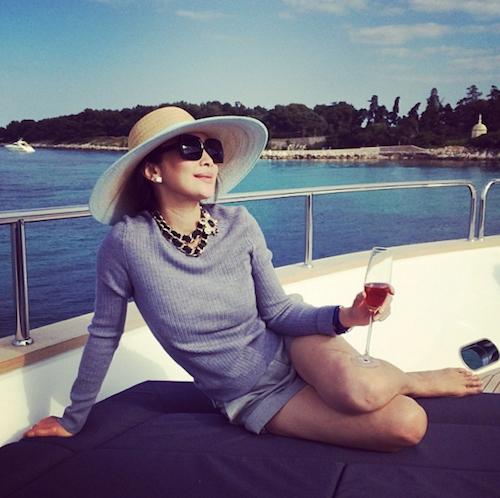 Thời trang xa xỉ của nữ tỷ phú 52 tuổi hot nhất thái lan - 3