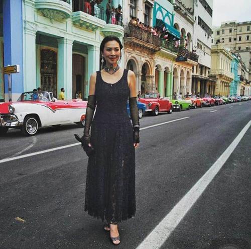 Thời trang xa xỉ của nữ tỷ phú 52 tuổi hot nhất thái lan - 6