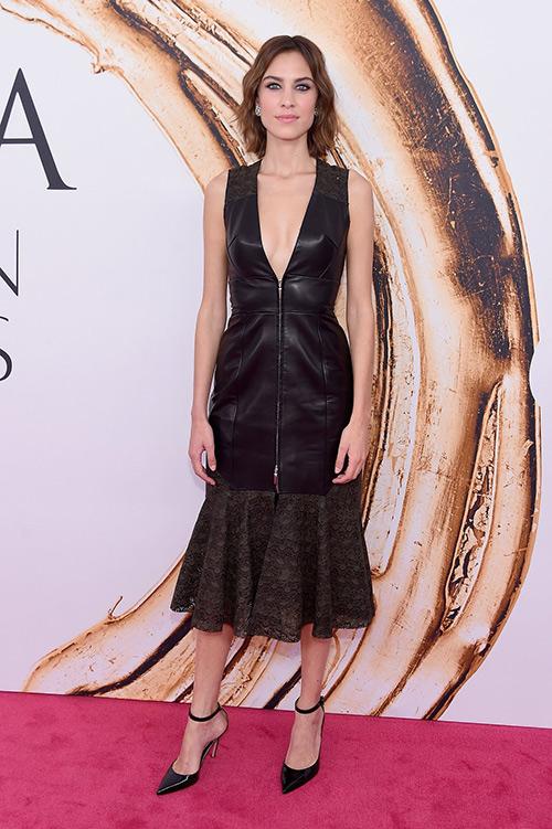 Váy xẻ gợi cảm bị thất sủng trên thảm đỏ cfda awards 2016 - 2