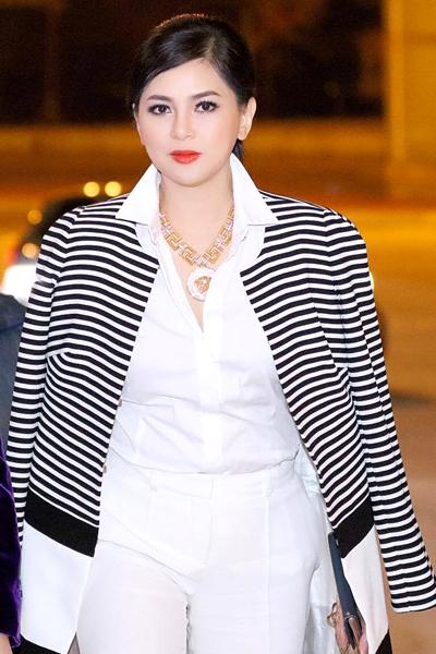 hoa hậu mỹ linh diện mốt corset thanh tú khoe nội y trên thảm đỏ - 3