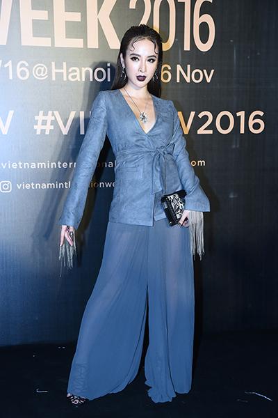 hoa hậu mỹ linh diện mốt corset thanh tú khoe nội y trên thảm đỏ - 6