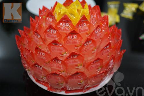 Cách làm hoa sen để ban thờ ngày tết từ kẹo - 6