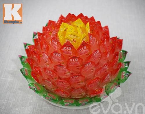 Cách làm hoa sen để ban thờ ngày tết từ kẹo - 13