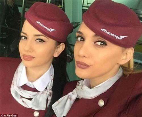 Cùng là tiếp viên hàng không nhưng mỗi quốc gia lại có một vẻ đẹp vô cùng đặc biệt - 17