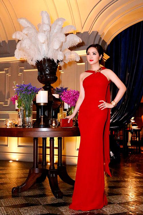 Hoa hậu giáng my đỏ rực khoe dáng bên xuân nguyễn - 8
