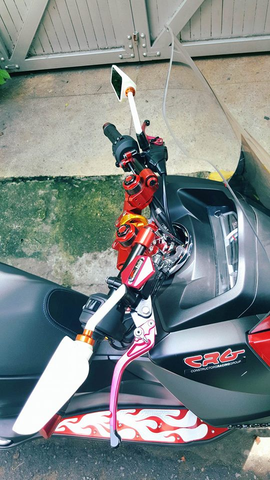 Super scooter honda pcx với loạt đồ chơi nổi bật - 4