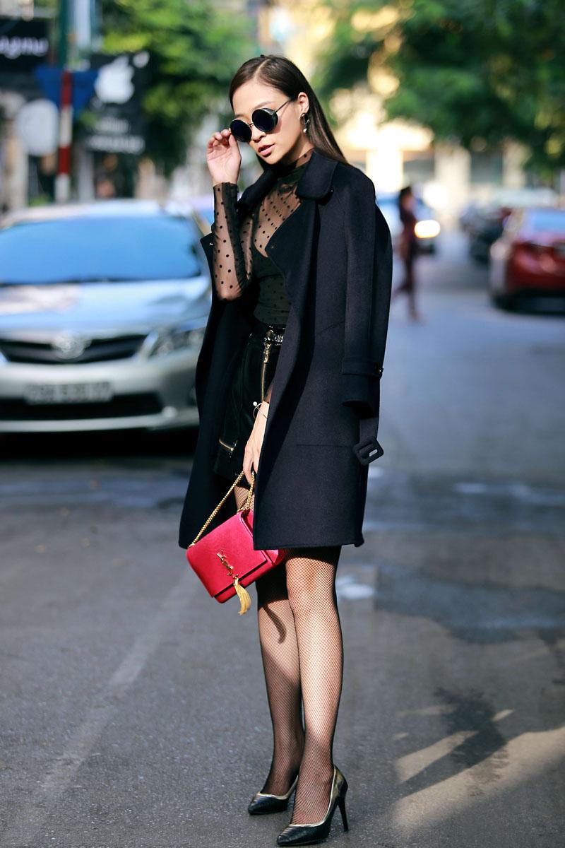 Chiếc áo khoác tôn nét sang chảnh và thanh lịch cho nữ công sở - 3