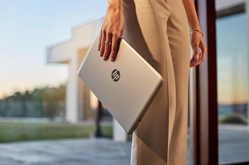 laptop thời trang cho dân công sở - 2
