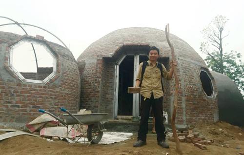 quá trình xây dựng ngôi nhà tròn phủ kín dây leo - 5