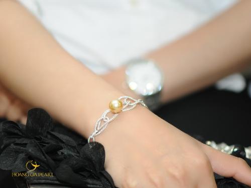 10 mẫu vòng tay ngọc trai cho cô nàng sành điệu - 4