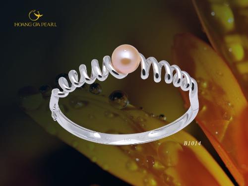 10 mẫu vòng tay ngọc trai cho cô nàng sành điệu - 9