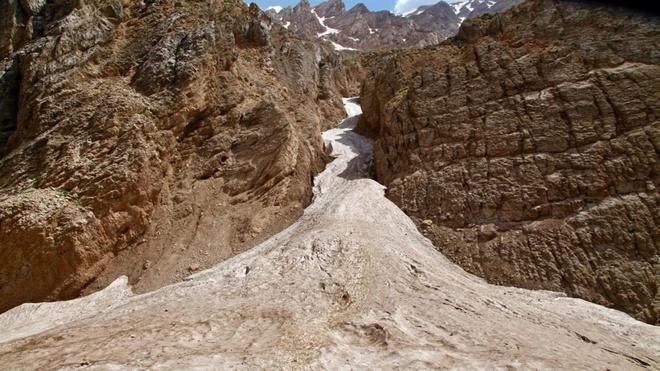 Dòng sông băng bí ẩn giữa sa mạc iran - 1