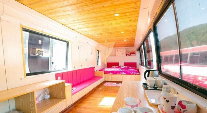 Khách sạn cho tình nhân trên xe buýt - 2