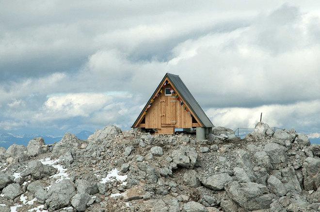 Khách sạn miễn phí chờ khách trên đỉnh núi 2500 mét - 2