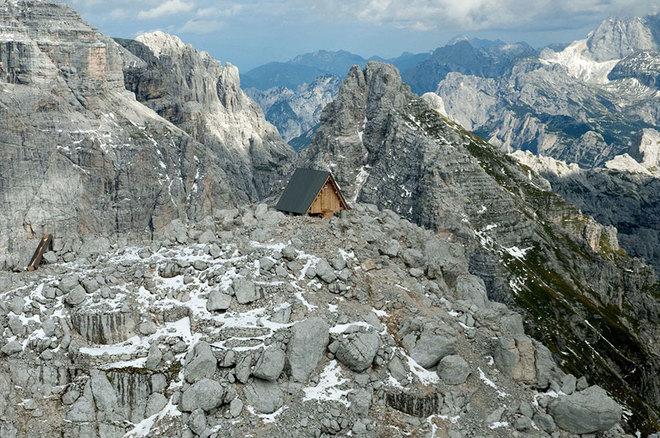 Khách sạn miễn phí chờ khách trên đỉnh núi 2500 mét - 4