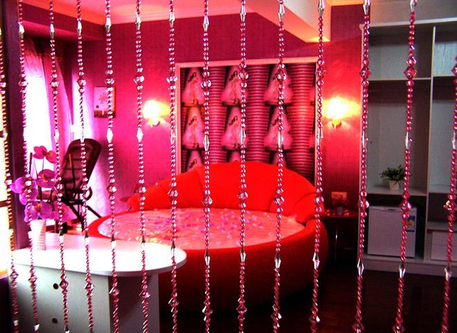 Khách sạn tình yêu hút khách ngày valentine - 2
