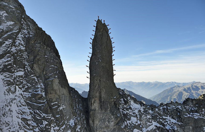 Những bức ảnh chưa từng có trên đỉnh alps - 4
