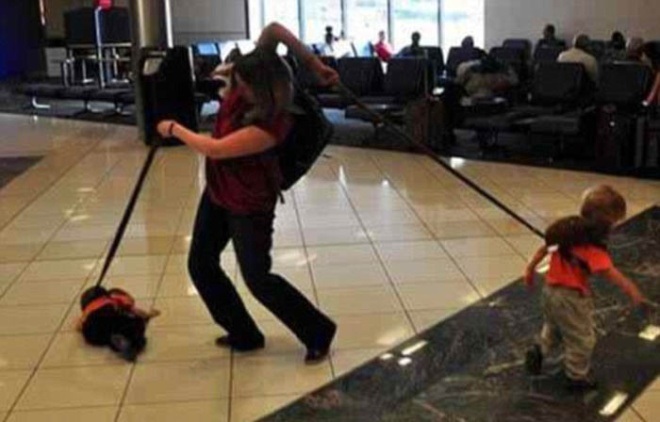 Những bức ảnh cười chảy nước mắt về hành khách tại sân bay - 1