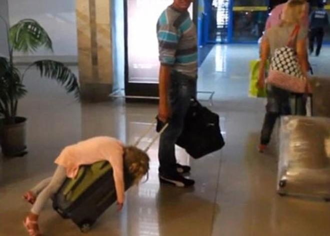 Những bức ảnh cười chảy nước mắt về hành khách tại sân bay - 3