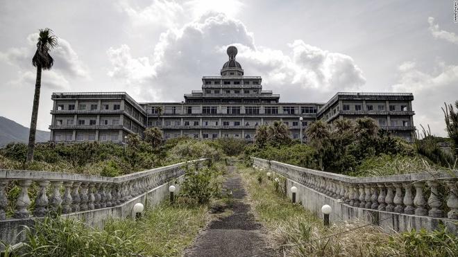 Những khách sạn lộng lẫy bị bỏ hoang - 4