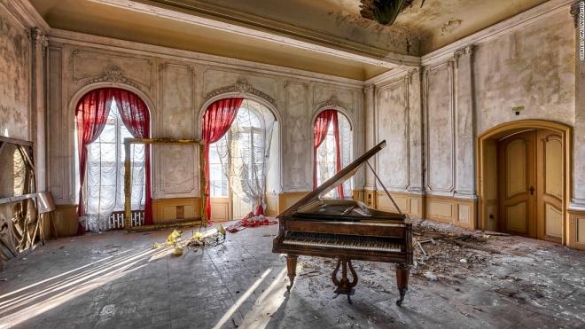 Những khách sạn lộng lẫy bị bỏ hoang - 7