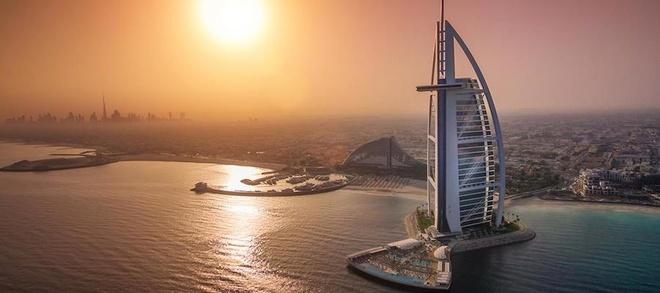 Tiện ích xa xỉ của khách sạn 7 sao duy nhất trên thế giới - 1
