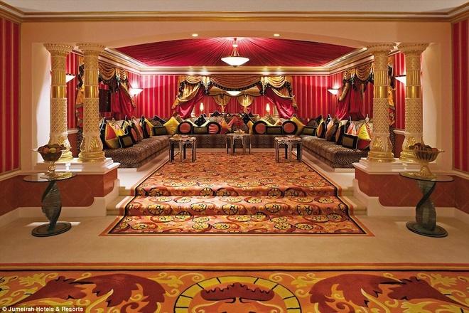 Tiện ích xa xỉ của khách sạn 7 sao duy nhất trên thế giới - 4