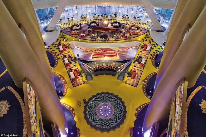Tiện ích xa xỉ của khách sạn 7 sao duy nhất trên thế giới - 7