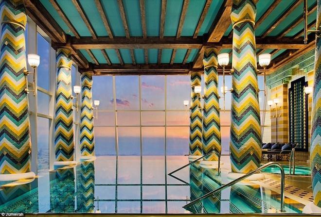 Tiện ích xa xỉ của khách sạn 7 sao duy nhất trên thế giới - 8