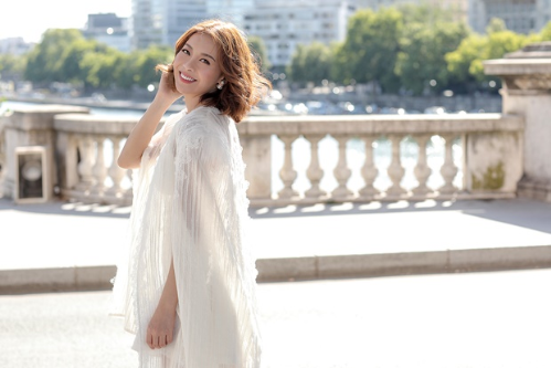 hoa hậu hải dương diện váy cúp ngực giữa paris - 3