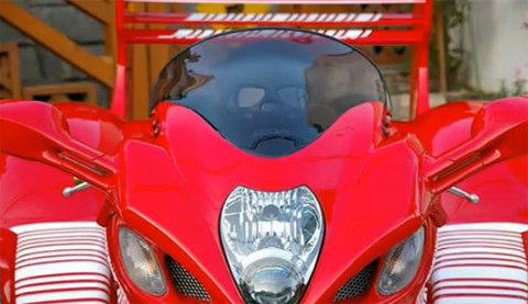 độ siêu môtô theo phong cách ferrari - 3