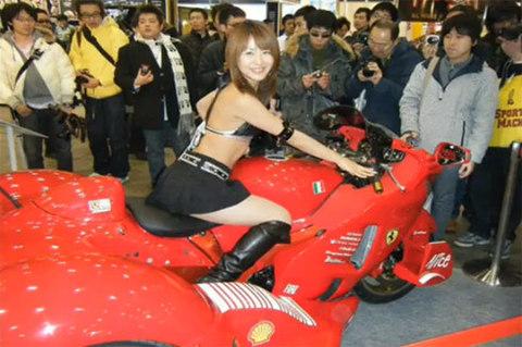 độ siêu môtô theo phong cách ferrari - 6