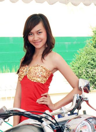 người mẫu việt tại triển lãm môtô 2009 - 10
