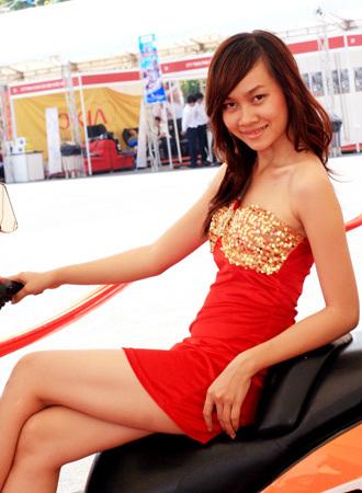người mẫu việt tại triển lãm môtô 2009 - 11