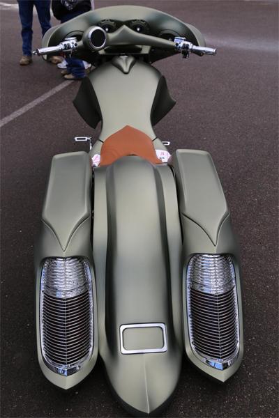 môtô khủng độ gầm siêu thấp - 2