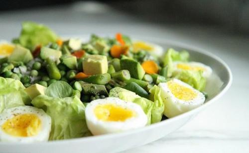 Ngon khó cưỡng với 6 món salad thanh lọc cơ thể - 2