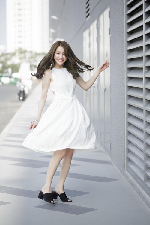 Những pha tung váy maxi đẹp xuất sắc của tăng thanh hà angela phương trinh - 7