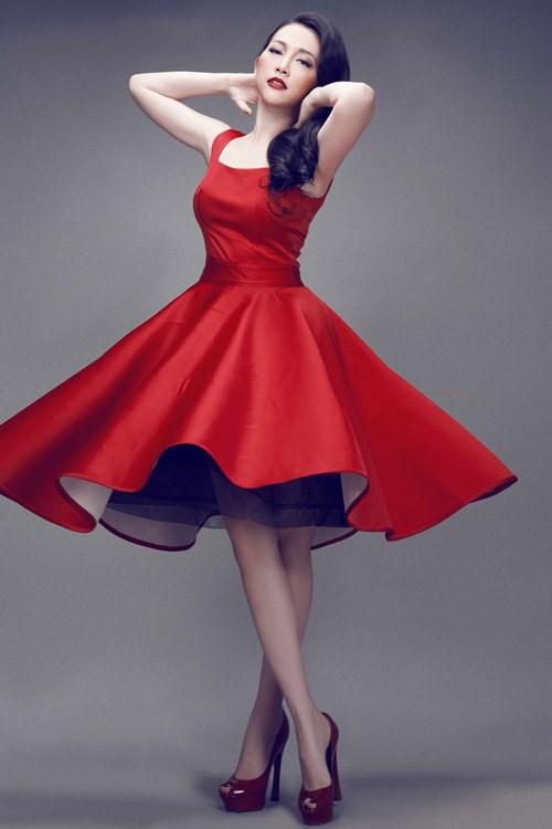 Những pha tung váy maxi đẹp xuất sắc của tăng thanh hà angela phương trinh - 11