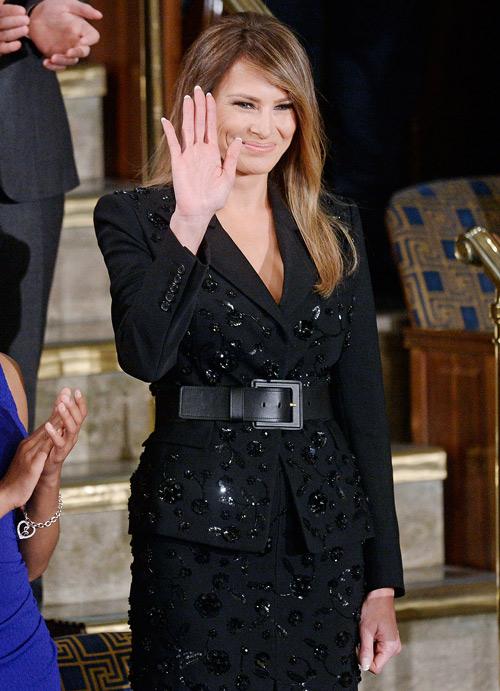 Vợ và con gái tt donald trump bị chỉ trích vì mặc đồ đắt và hở tại sự kiện chính trị - 3