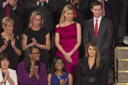 Vợ và con gái tt donald trump bị chỉ trích vì mặc đồ đắt và hở tại sự kiện chính trị - 5