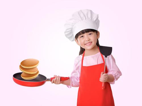 vui cùng con làm bánh ngon với bột bánh rán pha sẵn - 1
