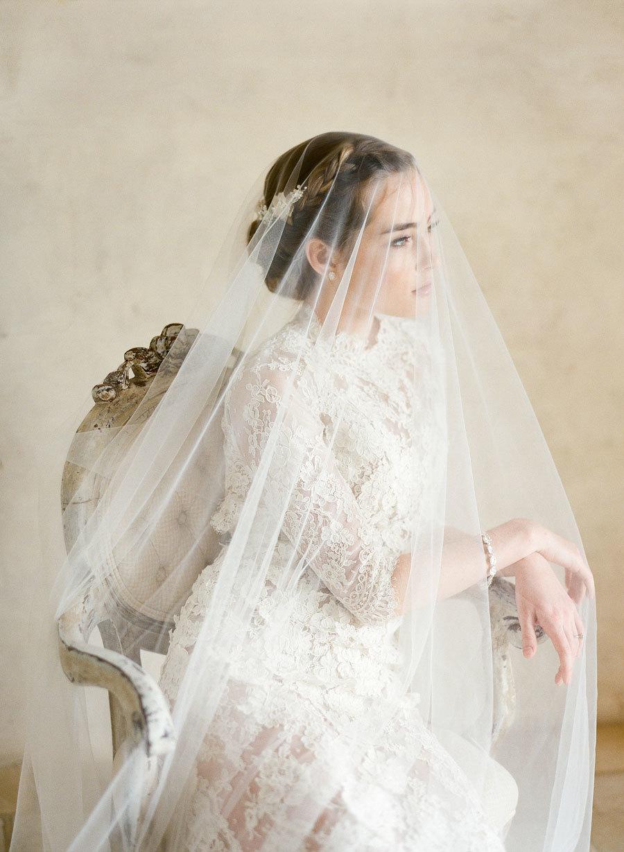 4 ý nghĩa bất ngờ thú vị của mạng che mặt cô dâu trong ngày cưới - 7
