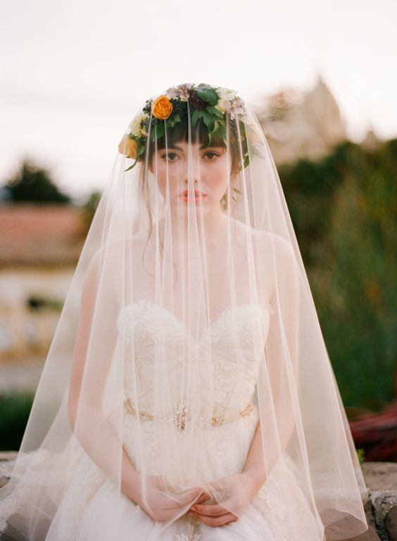 4 ý nghĩa bất ngờ thú vị của mạng che mặt cô dâu trong ngày cưới - 9