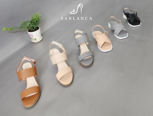 Bí quyết chọn sandals hợp với đôi chân cho ngày hè năng động - 1