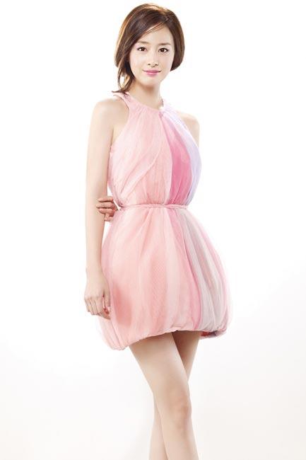 Bí quyết thời trang để kim tae hee trẻ như 18 khi đã gần 40 - 7