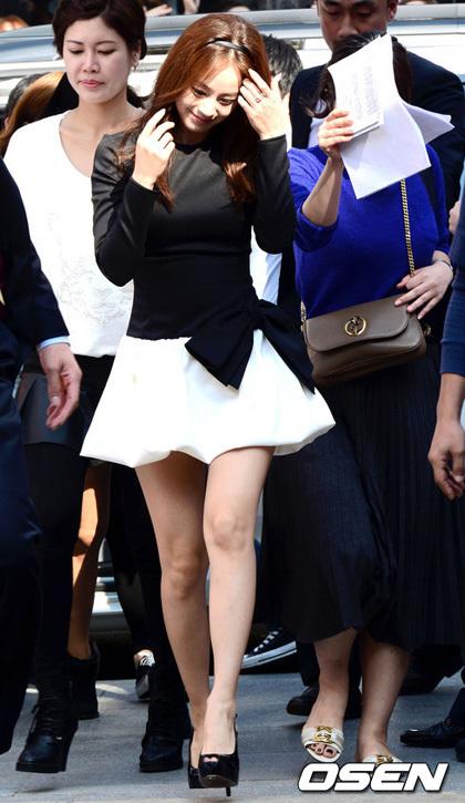 Bí quyết thời trang để kim tae hee trẻ như 18 khi đã gần 40 - 11