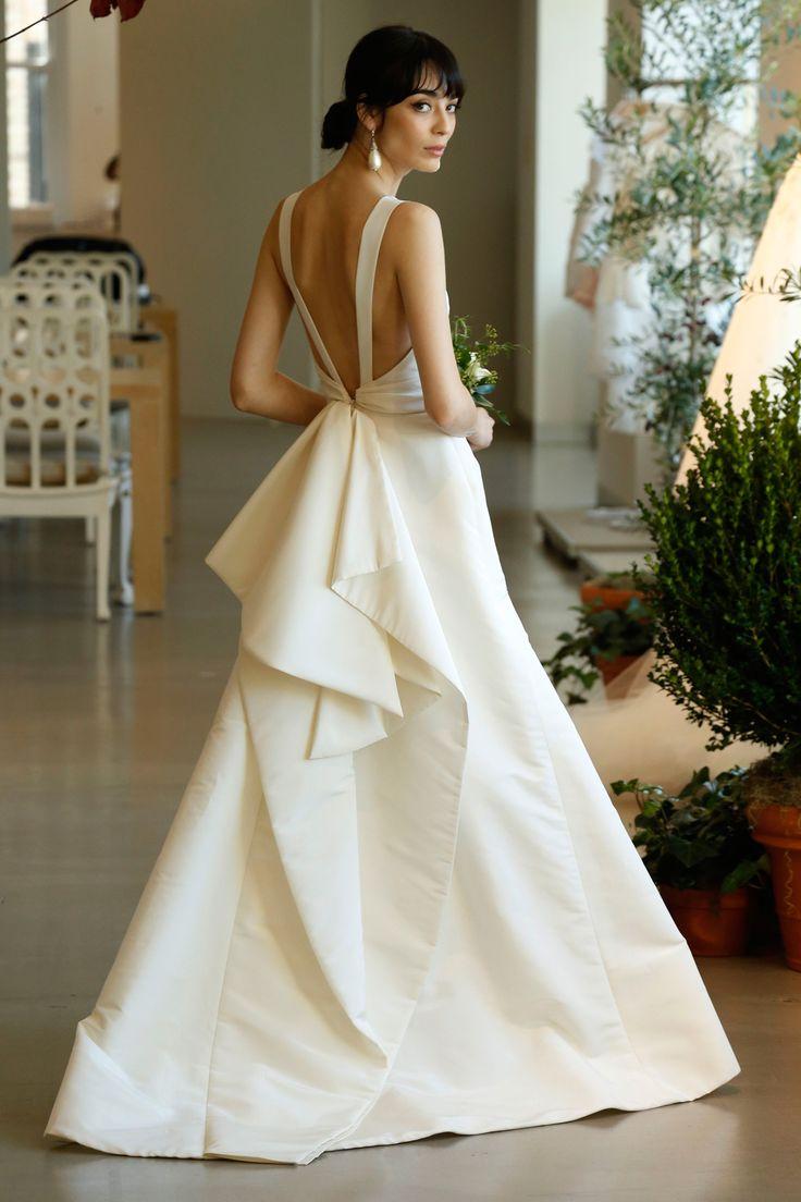 Chân ngắn ngực lép ngày cưới biết mặc gì để không bị mẹ chồng chê - 15