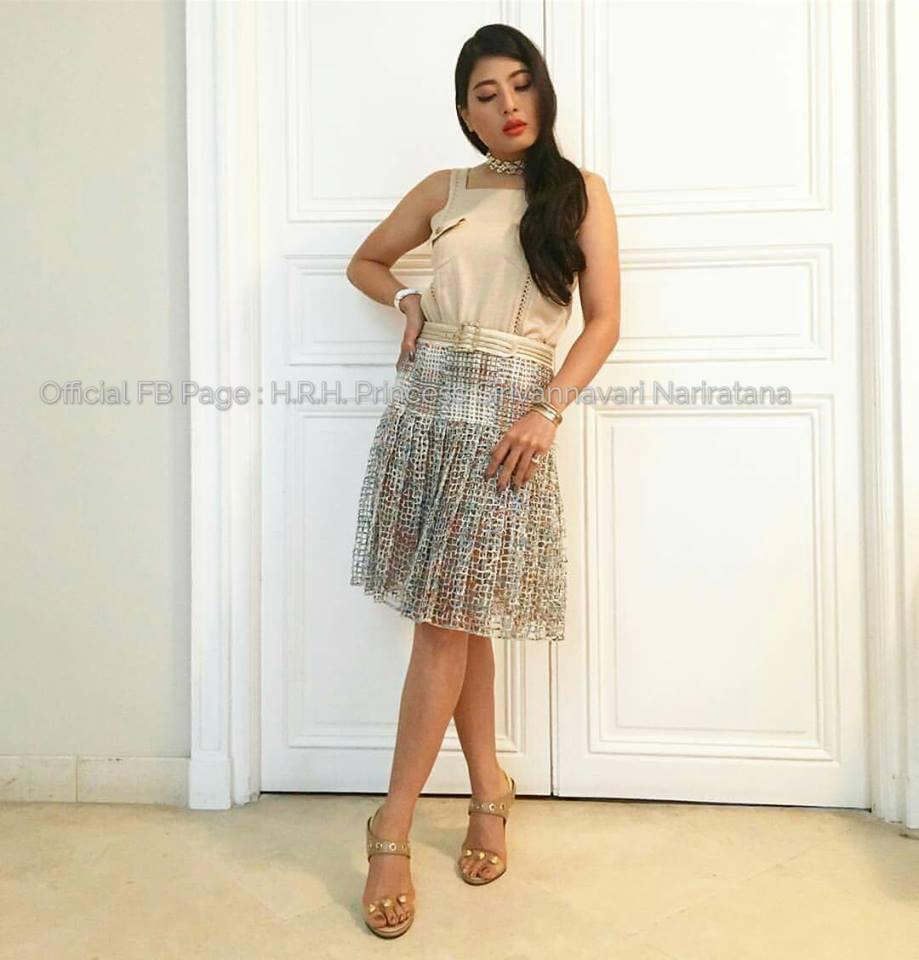 Công chúa thái lan chiều cao khiêm tốn nhưng vẫn nổi tiếng nhờ mặc đẹp xuất sắc - 10