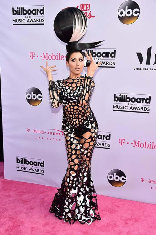 Dàn sao ăn mặc khủng hoảng tại billboard music award 2017 - 2
