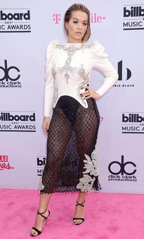 Dàn sao ăn mặc khủng hoảng tại billboard music award 2017 - 3